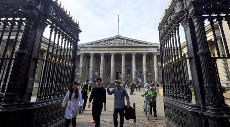If The Met Can Charge Out-Of-Towners Mandatory Admission, Then London's Museums Can Do It, Too