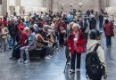 Galleries And Museums Are So Crowded Now The Experience Is… Not Artistic